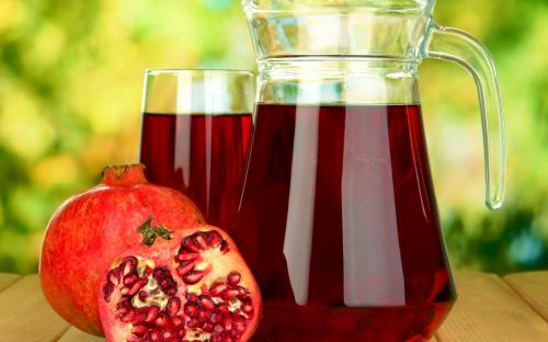Ученые: Гранатовый сок способен заменить мужчинам Виагру