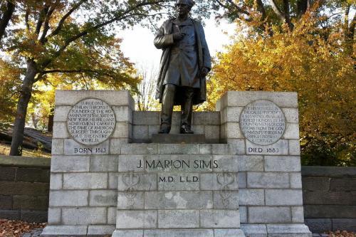 Памятник ученому-гинекологу Симсу демонтирован в Центрпарка США