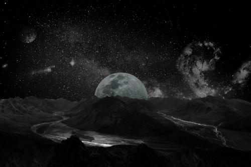 Учёные нашли в космосе поглощающую свет планету