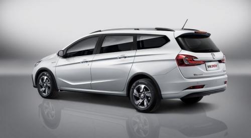 GM и SAIC рассекретили новый универсал Baojun 310 Wagon