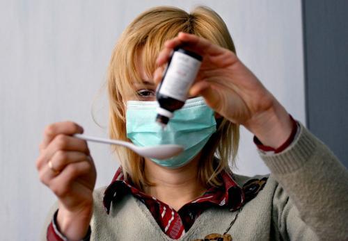 Почти 100 петербуржцев госпитализировали с гриппом, в том числе свиным
