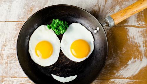 Ученые: Страдающие от рака должны съедать больше 10 яиц в день
