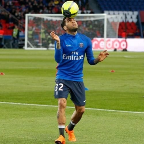 Защитник «ПСЖ» Дани Алвес не против вернуться в «Барселону»