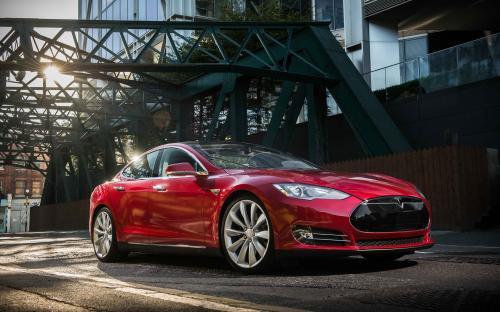 Эксперты заявили, что неправильные решения Илона Маска привели к ухудшению качества электромобилей