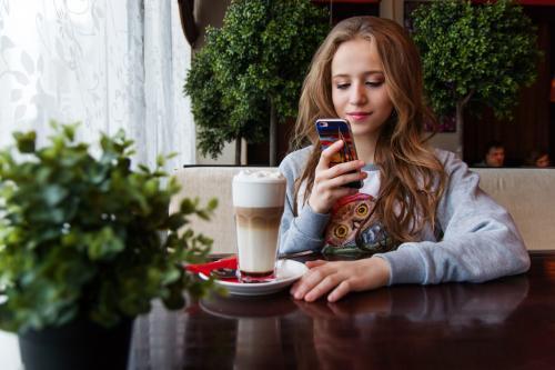 ФАС предлагает предустанавливать российские приложения на смартфоны