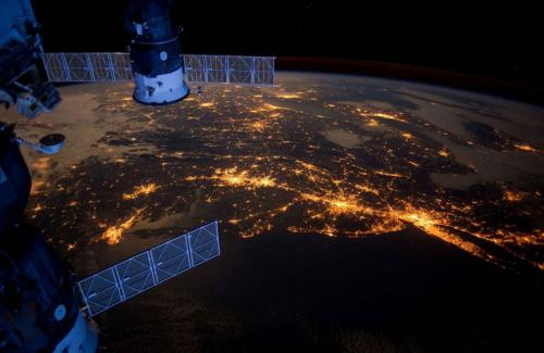 Астронавты на МКС отказались пить желтую странную воду в космосе