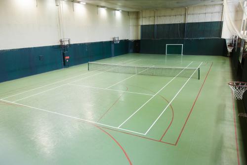 В Подмосковье десятилетний мальчик умер на теннисном корте