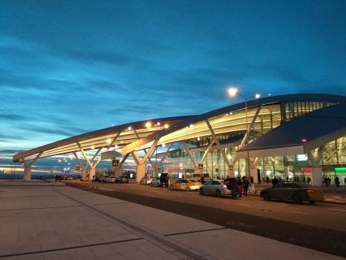 В Ростове эвакуировали аэропорт Платов