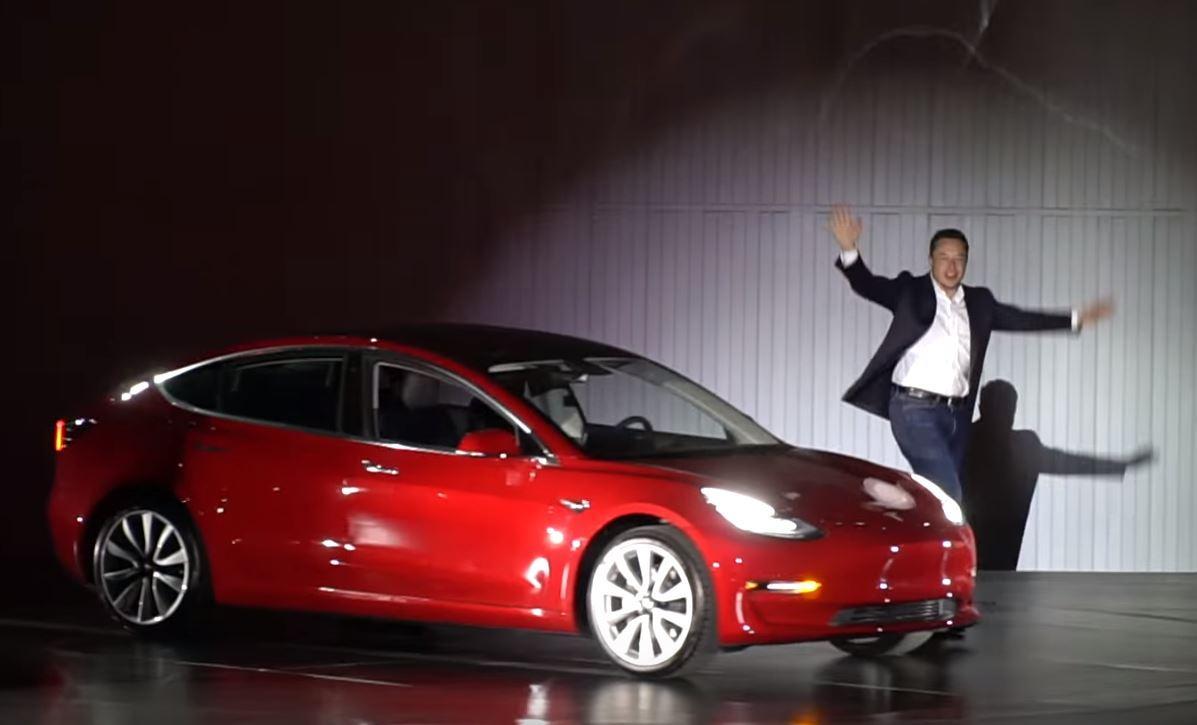 Компания электрокаров Tesla может обанкротиться до конца года