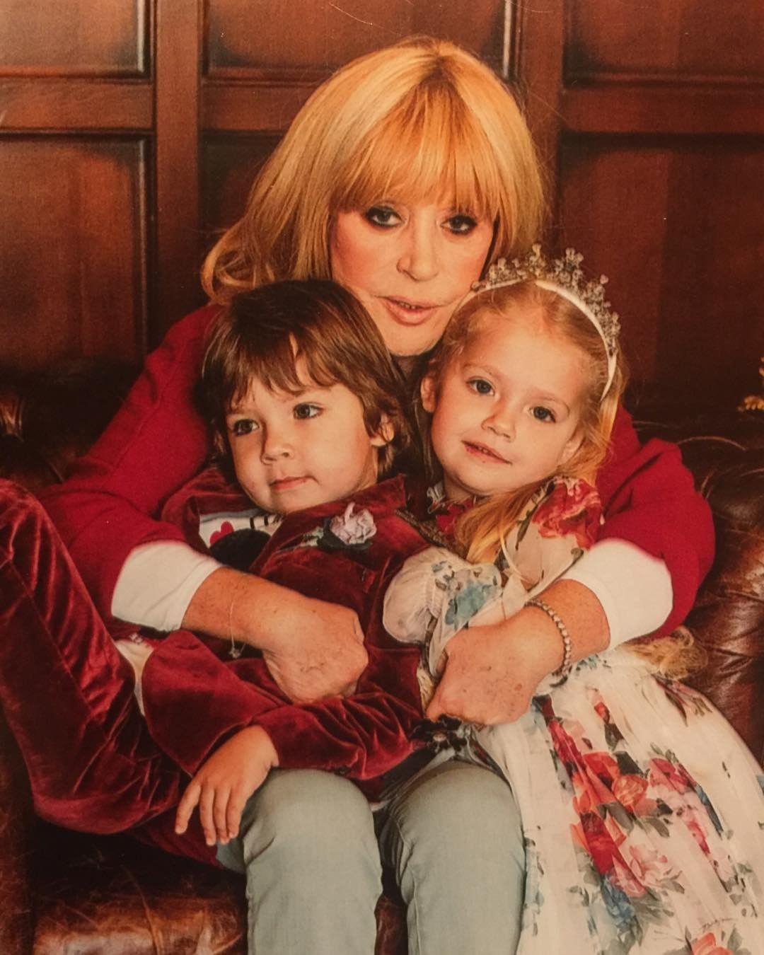 Алла пугачева фото детей двойняшек 2018