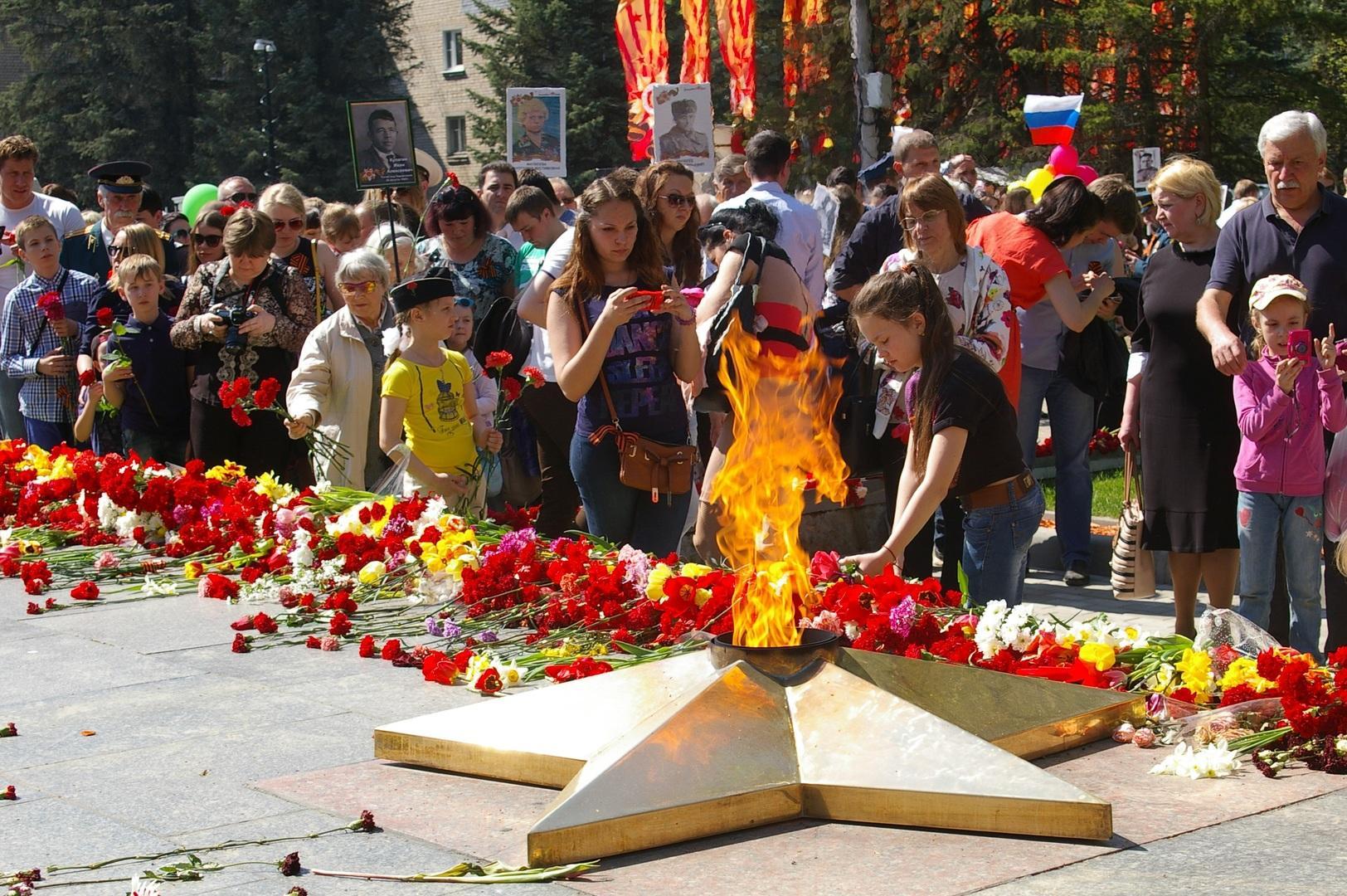 Юлия Самойлова возглавила шествие «Бессмертный полк» вЛиссабоне