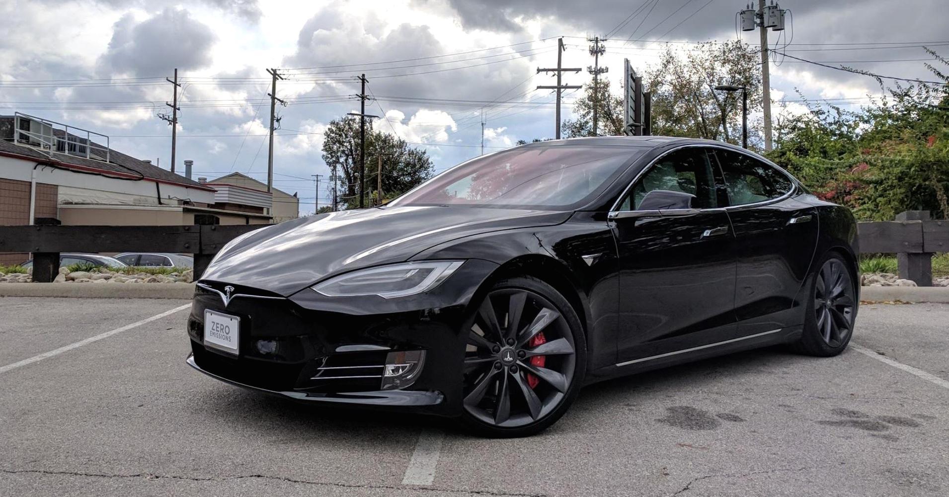 Врекордной отзывной кампании Tesla винит компанию Bosch