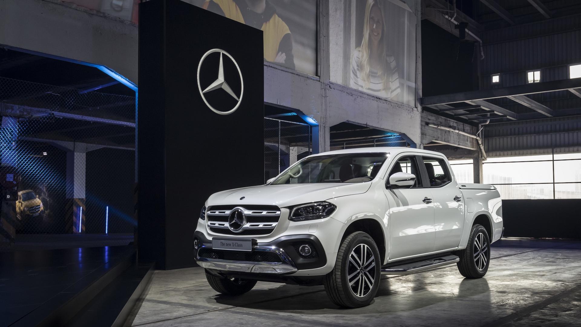 Benz X-Class благополучно прошел «лосиный» тест