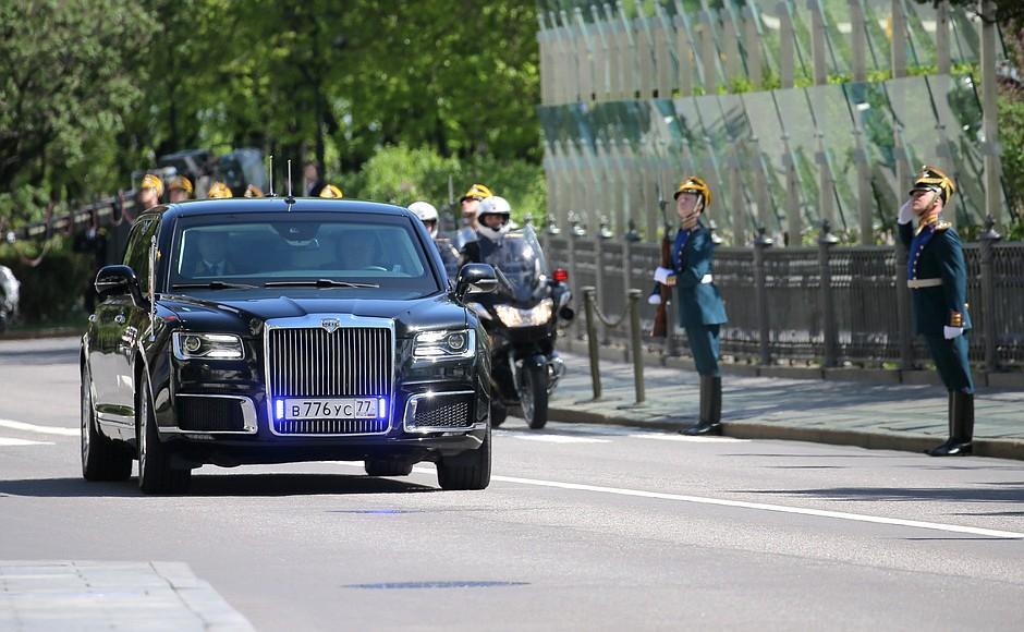 Номера лимузина Aurus Senat Путина раньше стояли на ржавой «Волге»