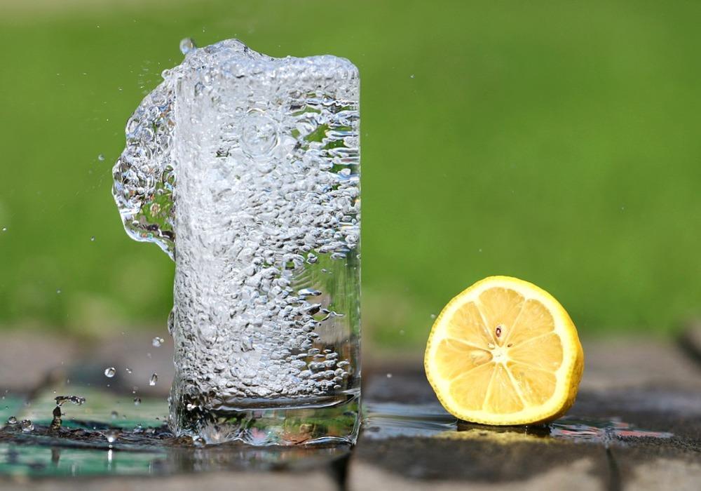 Ученые: минеральная вода может привести ксерьезным последствиями для организма