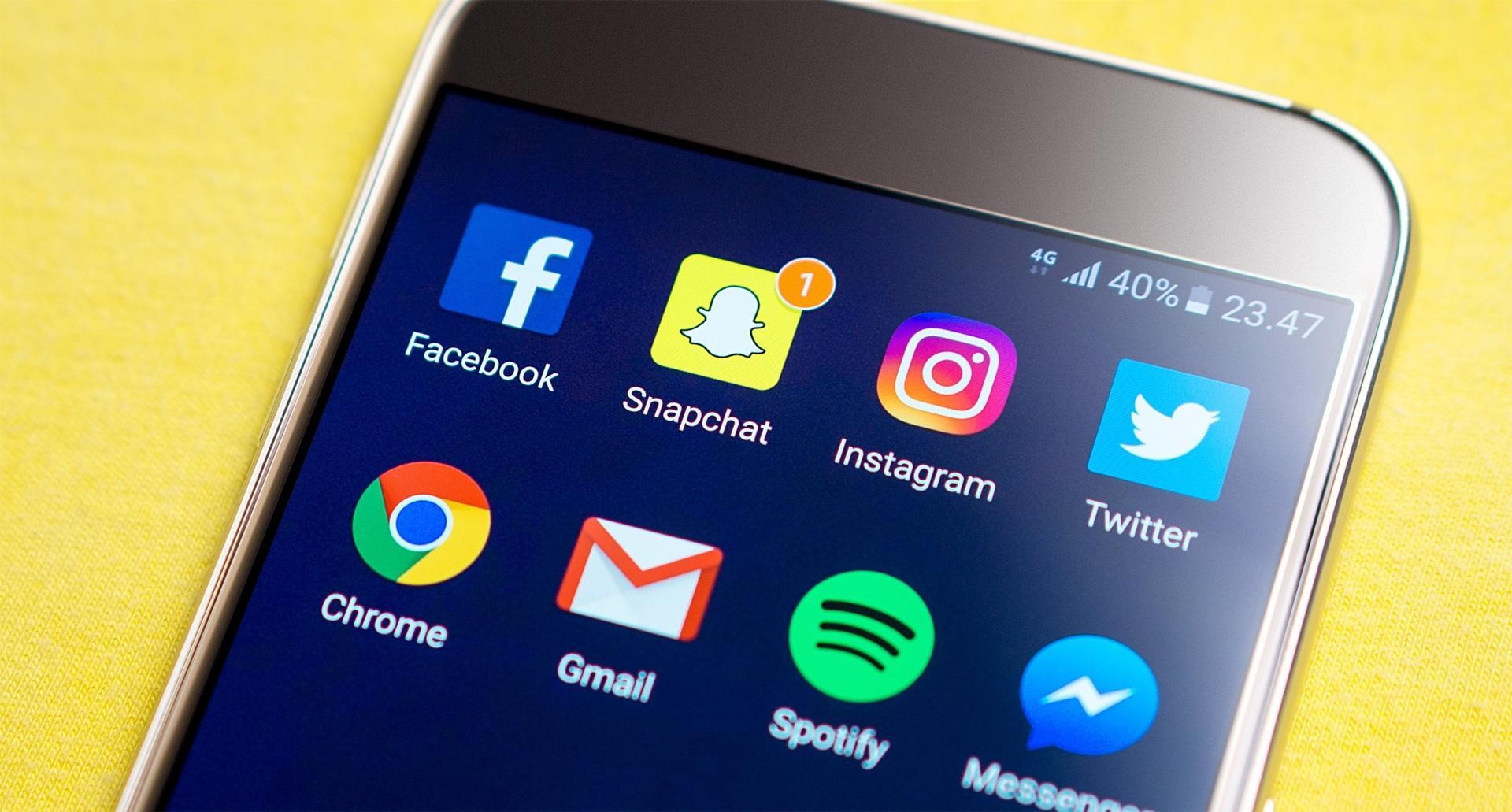 Социальная сеть Facebook обяжет разработчиков приложений заключать договоры