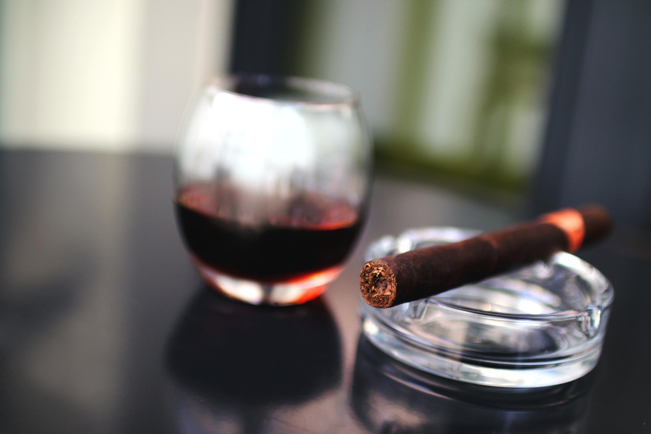 Ученые: употребление алкоголя итабака приводит кинвалидности впервую очередь