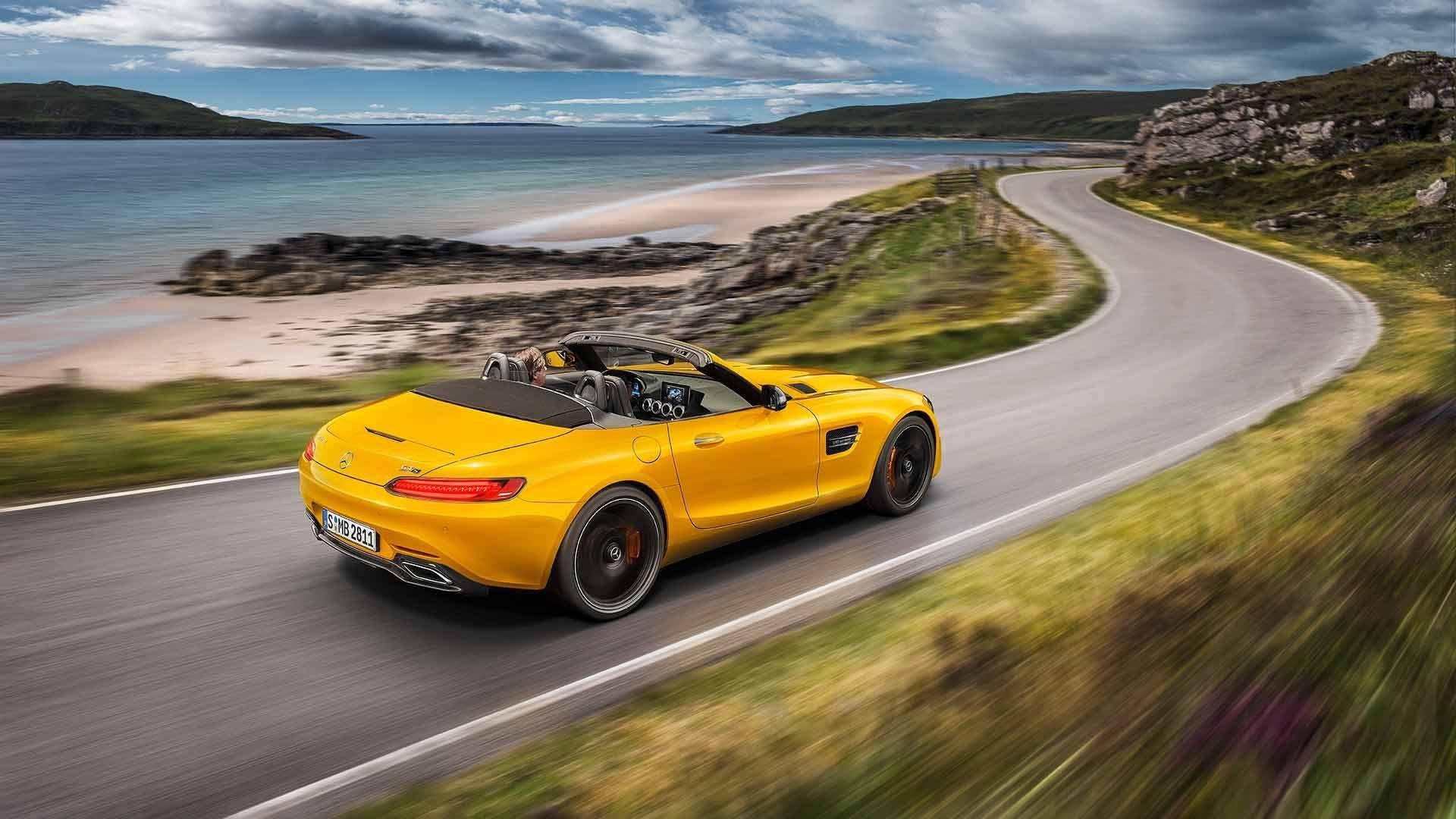 Представлен новый родстер Mercedes-AMGGT SRoadster