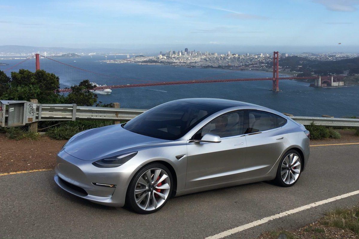 Илон Маск поведал  осамой доступной Tesla с 2-мя  моторами