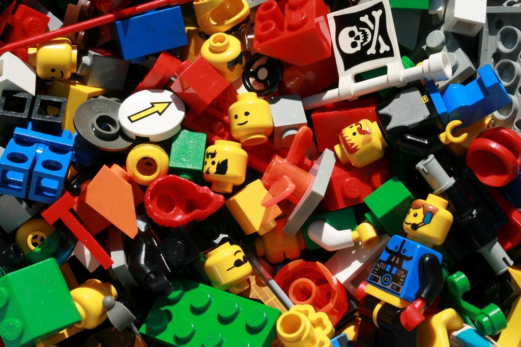 Палеонтологи раскритиковали новый набор Lego стехникой для раскопок