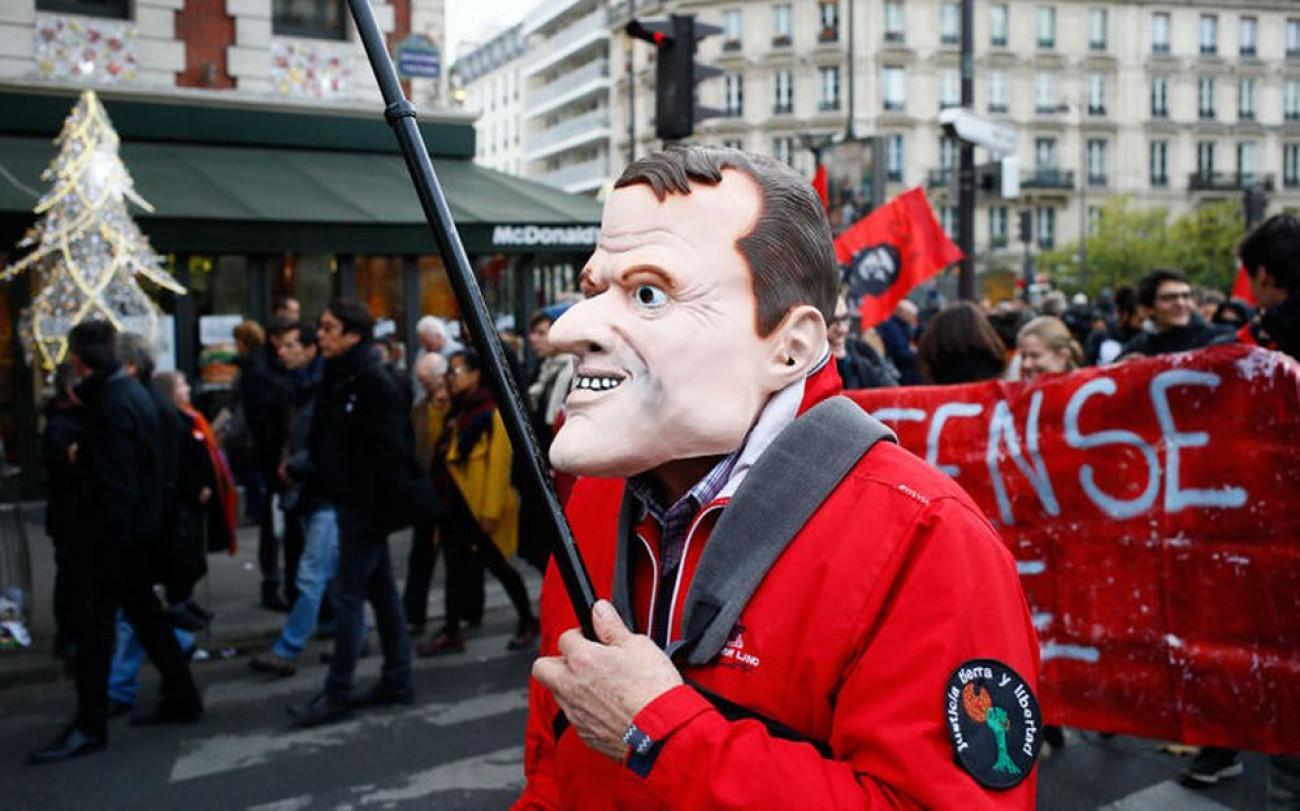 Наакциях протеста встолице франции задержали неменее 30 человек