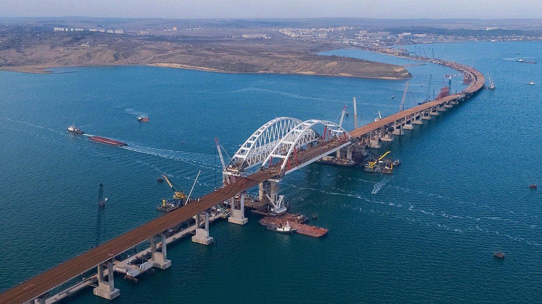 Милиция получила несколько звонков оминировании Крымского моста после его открытия