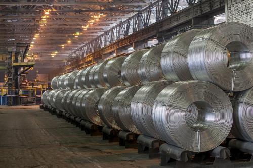 «РусАл» в апреле сократил экспорт алюминия на 70%