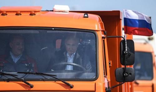 Строители Крымского моста: Путин – лучший президент