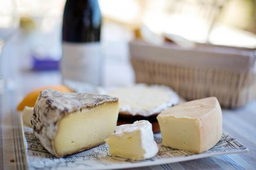 ТОП-10 мифов о сыре, которые стали стереотипом