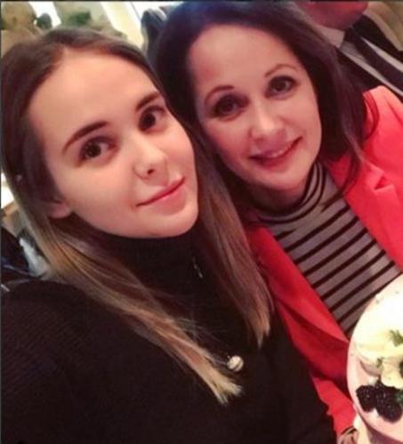 Ольга Кабо выселила из дома 19-летнюю дочь из-за разногласий со вторым мужем
