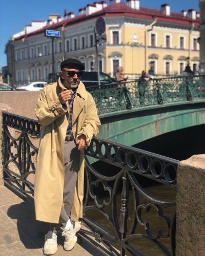 """Сергея Шнурова приняли за """"обычного питерского бомжа"""""""