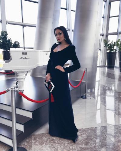 «По-женски стыдно за сестёр»: Водонаева шокирована современным бабьем
