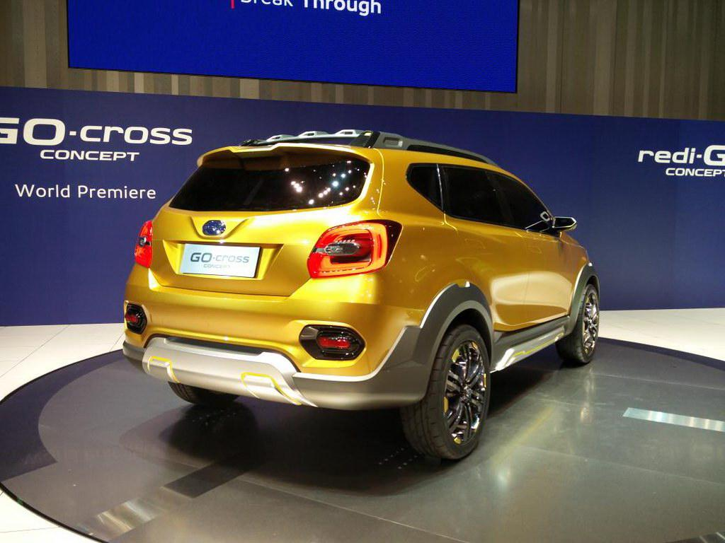 Появившийся весной бюджетный кроссовер Datsun Cross собрал неменее 23000 заказов