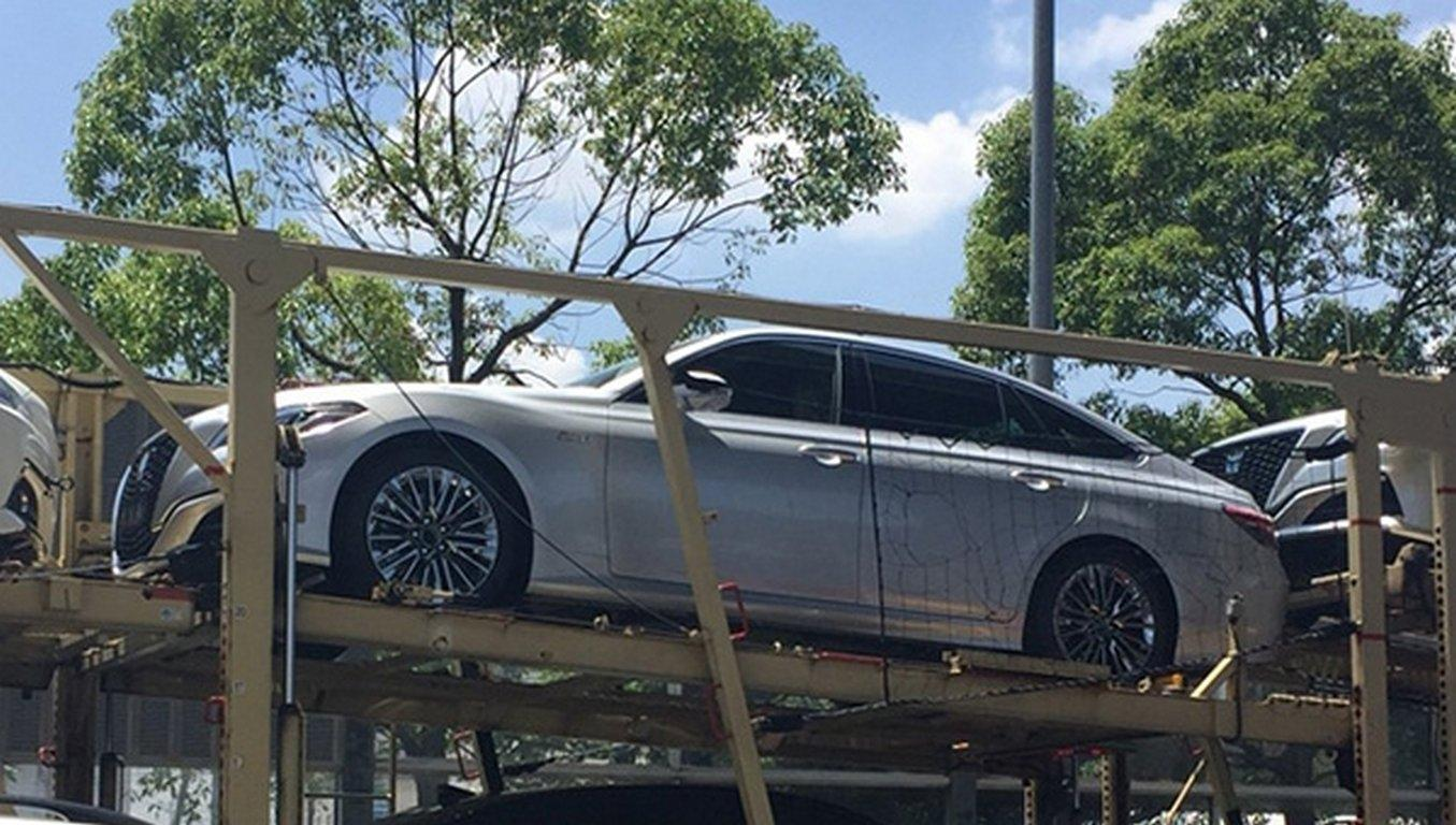 Стартовало серийное производство обновленного поколения Тоёта Crown