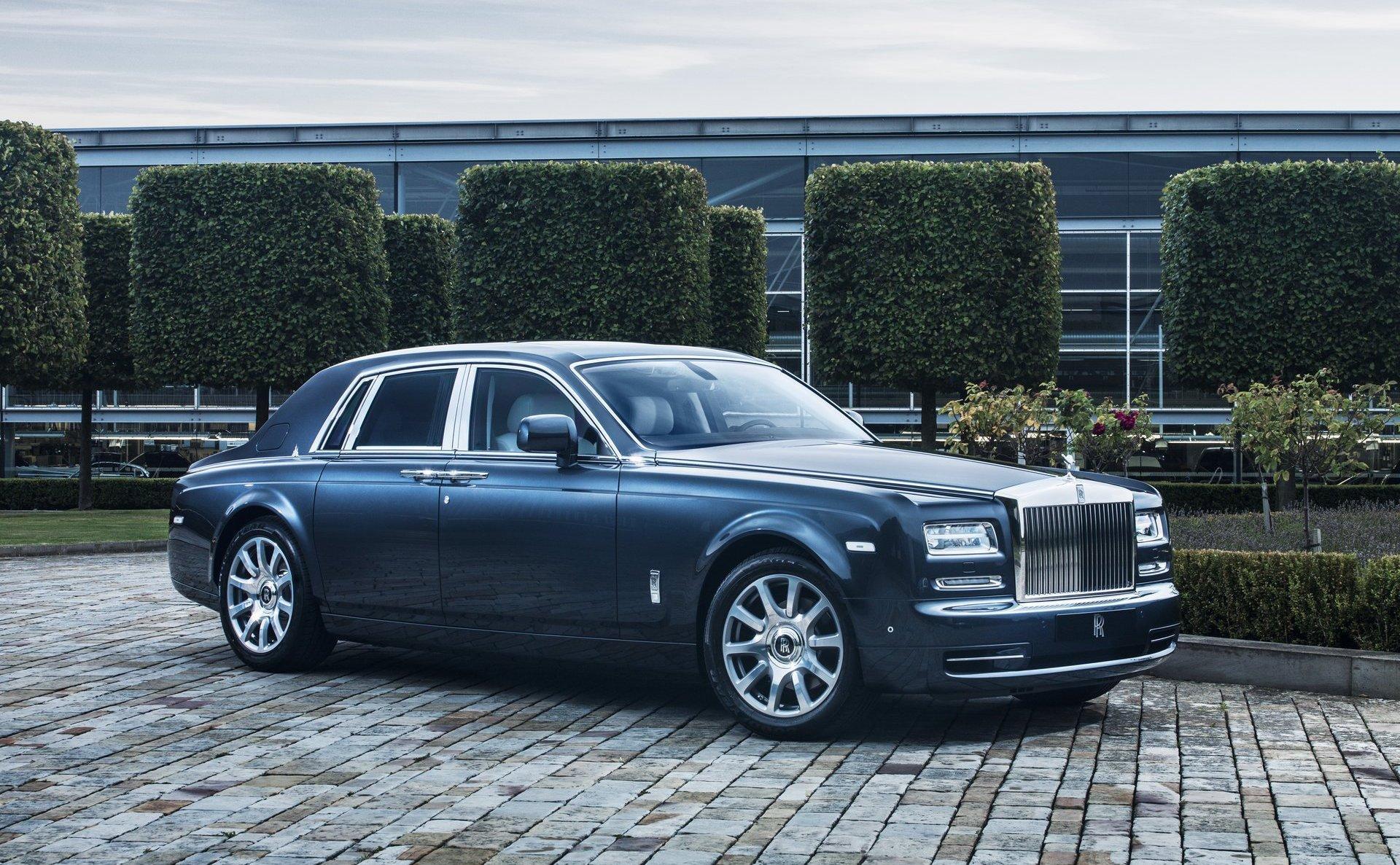 Главный дизайнер Rolls-Royce ушел вотставку