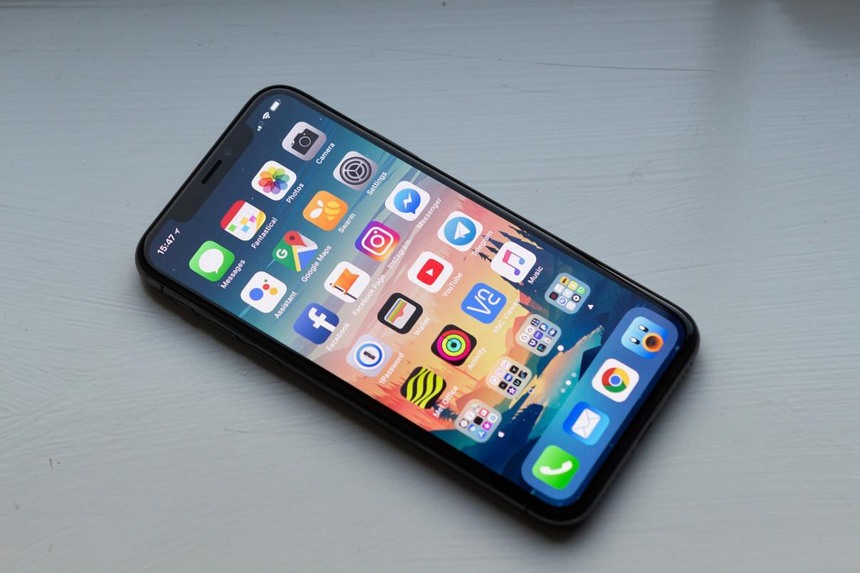 ВСеть попали фотографии iPhone-2018 на6,1 дюйм