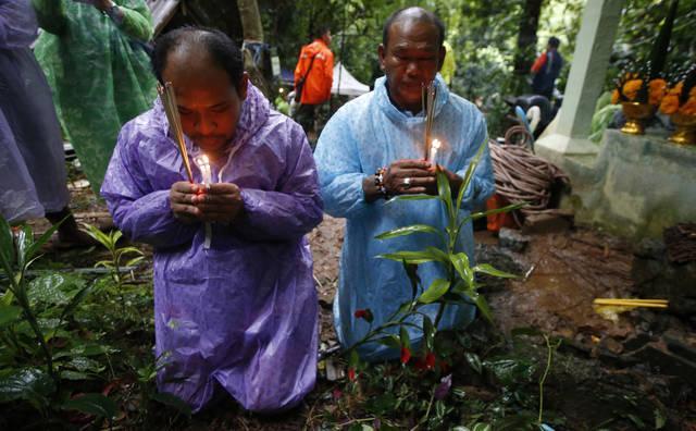 Кпоиску пропавших вТаиланде молодых людей присоединились американские военные и английские водолазы