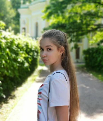Настя Гладилина из Брянска выступила в «Модном приговоре»