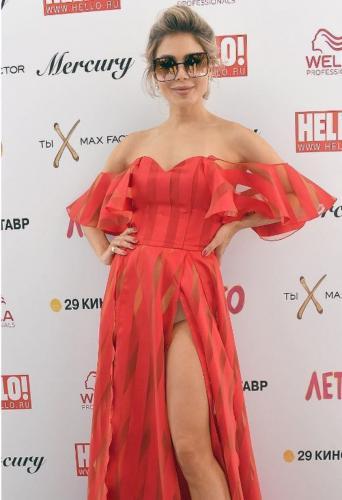 Бэлла Потемкина вышла в свет без белья в откровенном платье