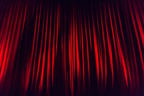 Актеры подрались и матерились на сцене драмтеатра в Воронеже