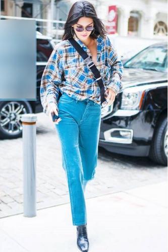Кендалл Дженнер задала новую моду на прямые джинсы