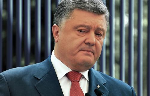 В Госдуме отреагировали на предложение отправить Порошенко на гей-парад