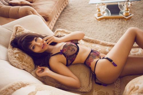 Звезда Playboy показала эротическое фото на фоне «Ростов Арены»