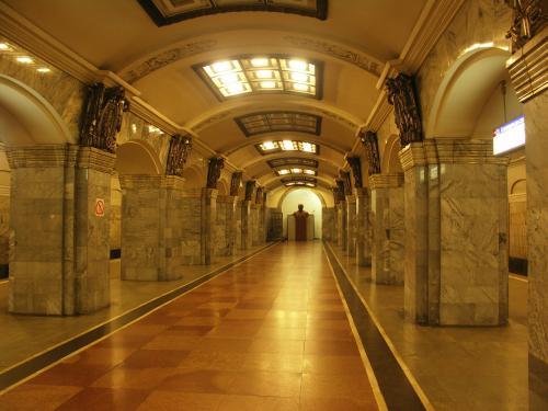 Работу метро продлят на два часа ради матча Россия – Египет
