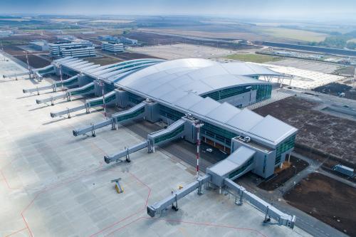 Аэропорт Платов в Ростове впервые принял Boeing 777