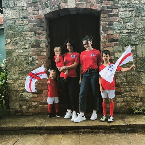 Звезда английского футбола привёз свою семью на ЧМ-2018 частным самолётом