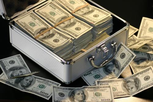 В Воронеже власти устроили распродажу в 23 миллиона рублей