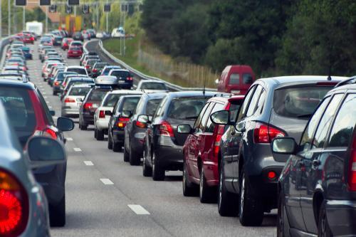 В Новосибирске из-за неработающего светофора образовалась пробка