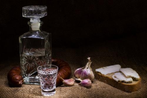 Ученые объяснили, почему водка для алкоголиков вкуснее сахара
