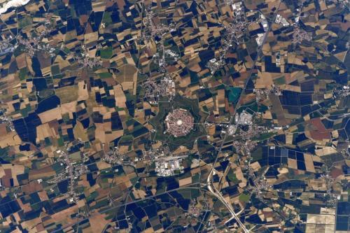 Олег Артемьев показал «город-звезду» из космоса